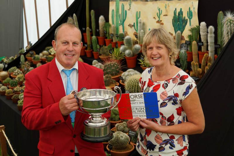 David and Jane Ennals - Coach House Cacti